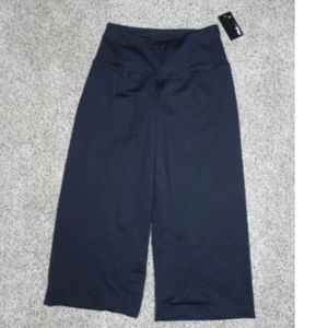Fila Athletic Pants Black XS Loose Fit Capri NWT